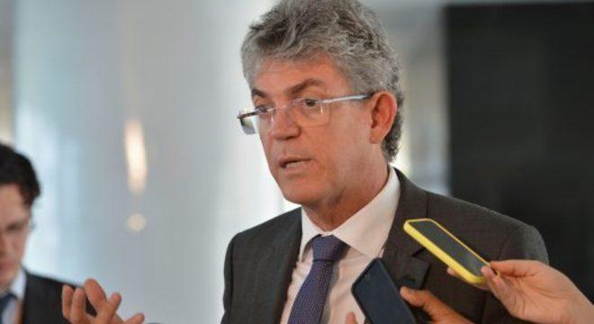 O ex-governador da Paraíba Ricardo Coutinho é denunciado à Justiça
