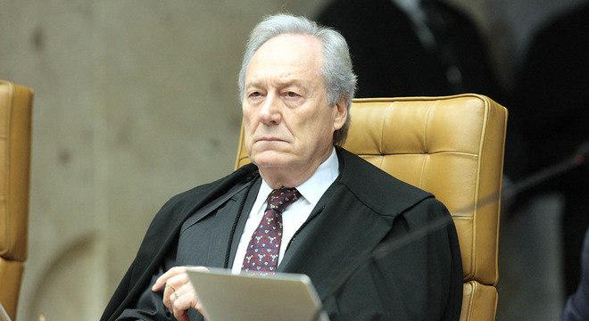 Ricardo Lewandowski é relator da ação sobre exame de Jair Bolsonaro