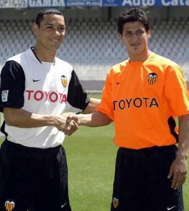 Ricardo Oliveira - 59 gols atuando por Valencia, Betis e Zaragoza