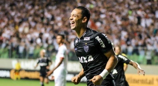 Ricardo Oliveira marcou o primeiro gol do Atlético-MG na goleada sobre o Ferroviário-CE