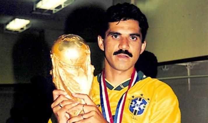 Ricardo Rocha - Posição: zagueiro - Time em que jogou: Santa Cruz
