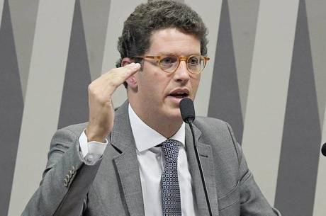 Afastamento de Salles foi comunicado a filiados do Novo