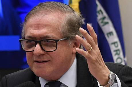 Ministro Veléz Rodriguez deve ser substituído do cargo