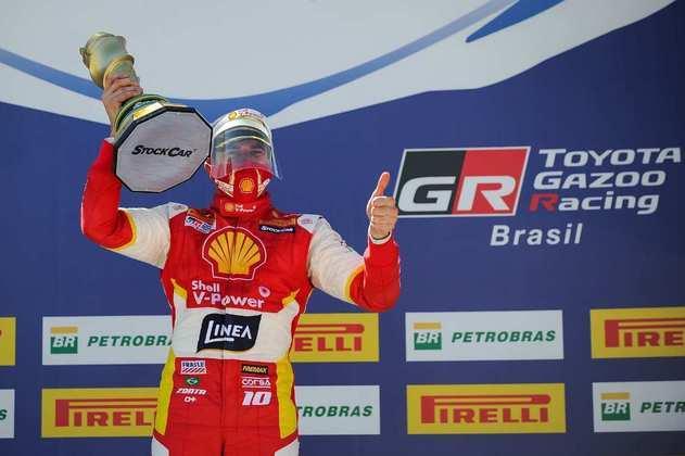 Ricardo Zonta fez muita fez pela vitória na corrida 1