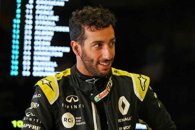 Ricciardo rodou e bateu no fim do Q2, por isso não marcou tempo na parte final da classificação