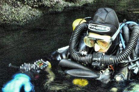 Harris é especialista em resgates em cavernas