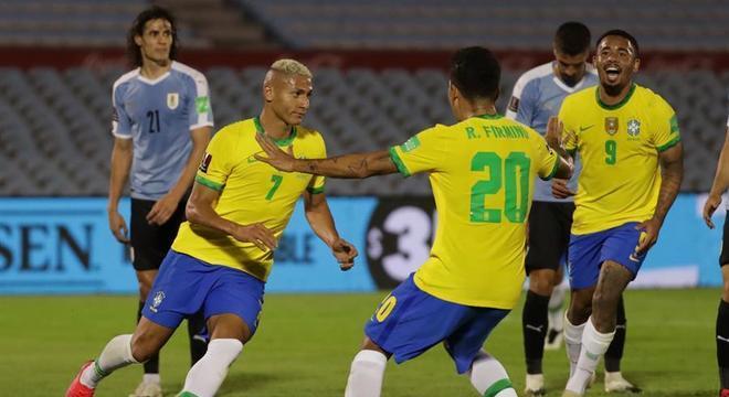 Brasil aproveitou muito bem o espaço que o Uruguai ofereceu. Contragolpes fatais