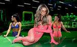 Um dos destaques fica por conta da socialite Paris Hilton, ícone da cultura pop dos anos 2000