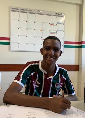 Rikelmy assinou contrato de formação com Fluminense