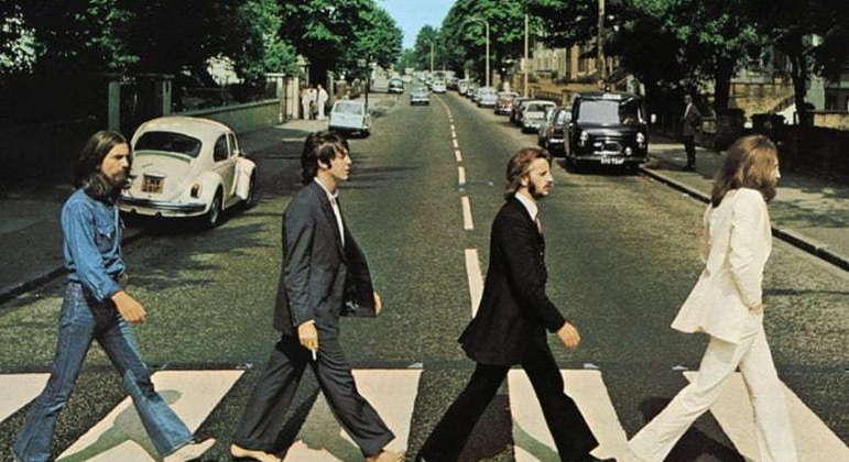 Ringo foi o último integrante a ingressar em uma das maiores bandas da história. Isso aconteceu no ano de 1962, quando o então baterista Pete Best foi dispensado pois entenderam que ele não estava conseguindo acompanhar a qualidade do grupo.