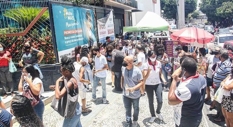 Estudantes realizam Enem no Rio de Janeiro com calor de mais de 37 ºC