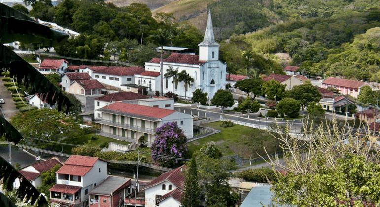Paisagem do centro de Rio das Flores