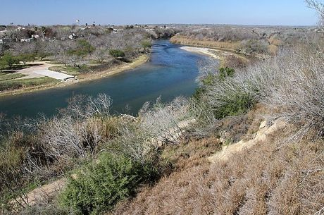Agentes resgataram bebê que caiu no rio Grande