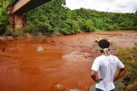 Rio Paraopeba foi atingido pela lama da barragem