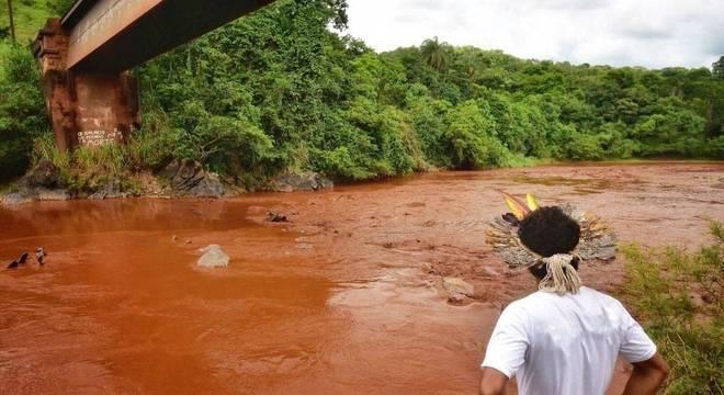 Rio Paraopeba é usado para abastecimento de 18 municípios de MG