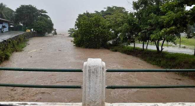 Rio São Francisco, em São Sebastião, depois das fortes chuvas da quinta (20)