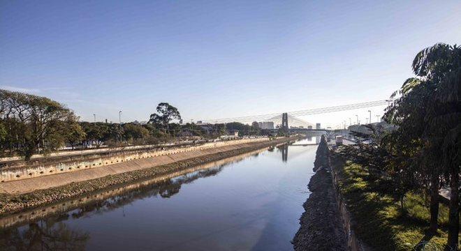 Investimentos ainda não conseguiram deixar o rio despoluído
