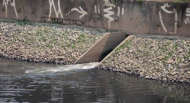 Corpo de mulher é encontrado no rio Tietê, na zona norte de SP