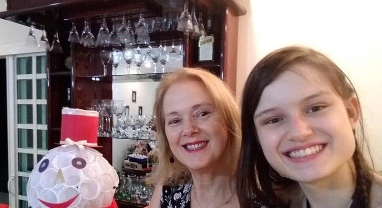 Rita de Cássia e a filha Elisa, que mesmo sem diploma já tem proposta de trabalho