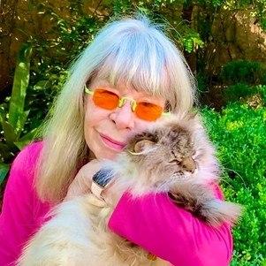 Rita Lee e um de seus gatinhos