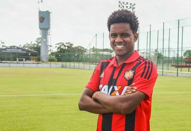 Rithely: 29 anos, volante, valor de 1 milhão de euros (R$ 6,33 milhões). Contrato com o Atlético-GO até 28 de fevereiro de 2021.