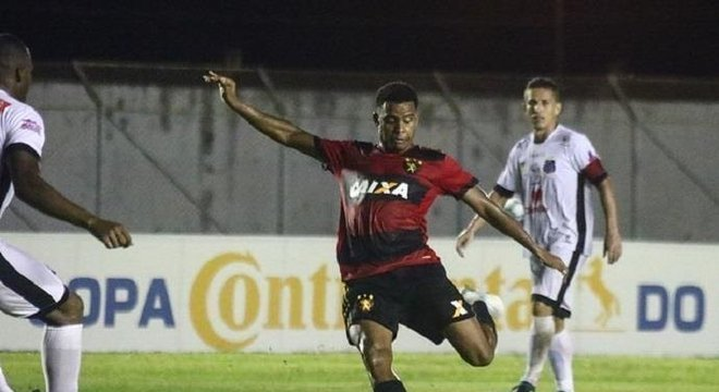 Rithely foi regularizado no BID como jogador do Inter Crédito: Williams Aguiar / Sport Club do Recife / CP