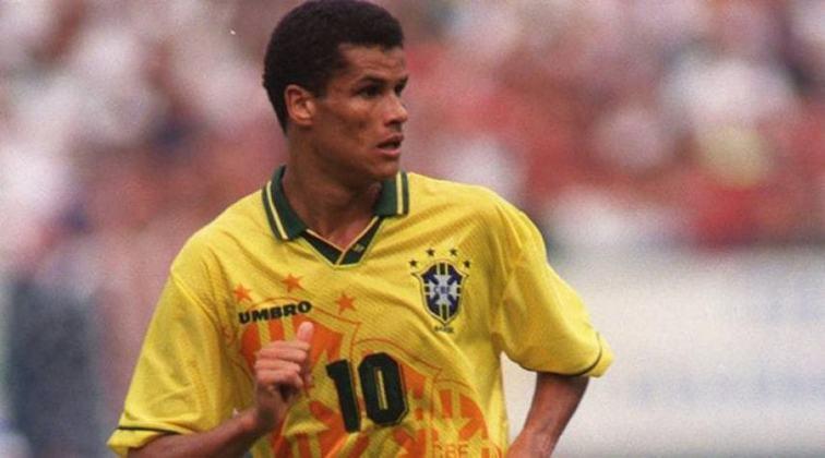 Rivaldo chegou ao Palmeiras depois da Copa de 1994, e ganhou espaço na Seleção a ponto de ter sido um dos três com idade acima dos 23 anos convocados para a Olimpíada de 1996 - o time foi bronze. Começou a ser pavimentado o caminho que o fez ser camisa 10 nos Mundiais de 1998 e 2002.