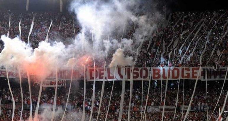 River Plate - Em 2011, os Millonarios foram rebaixados no Campeonato Argentino após mais de cem anos na elite do futebol argentino. Esse foi um dos piores momentos na história do River Plate.