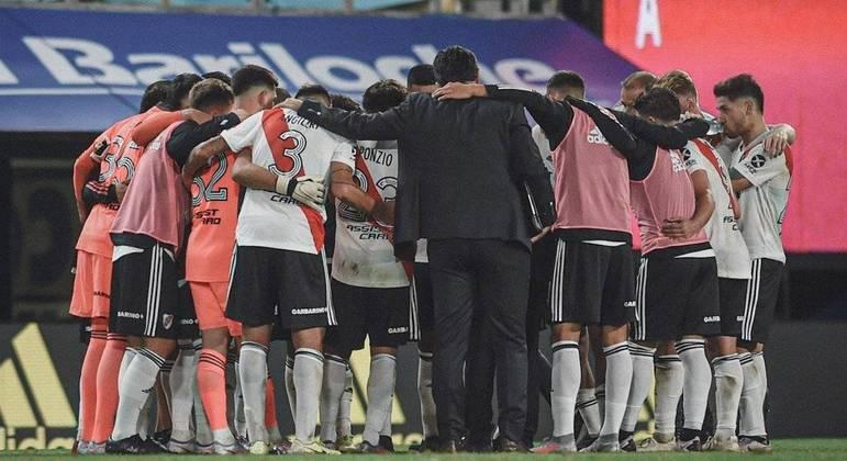 River Plate enfrenta o Santa Fe com o volante Enzo Perez no gol