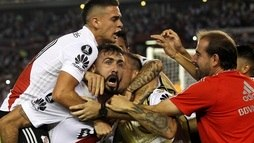 Pelo mesmo grupo do Flamengo, River Plate vence Emelec e assume liderança ()