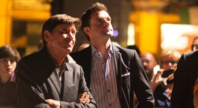 Com Gianni Morandi, numa cena do documentário sobre o Bologna