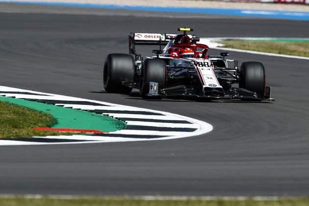 Robert Kubica novamente participou do primeiro treino livre acelerando a Alfa Romeo