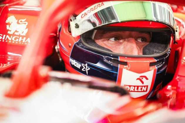 Robert Kubica voltou a um cockpit da F1 no Bahrein.