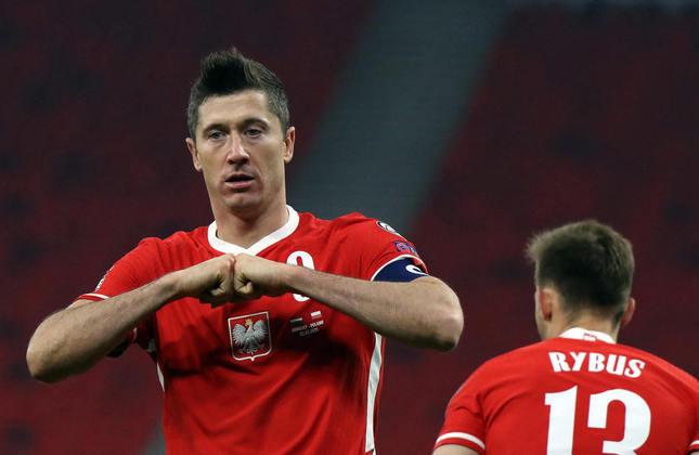 Robert Lewandowski: 69 gols em 122 jogos pela seleção da Polônia.