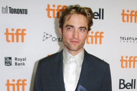 Robert Pattinson é diagnosticado com covid-19