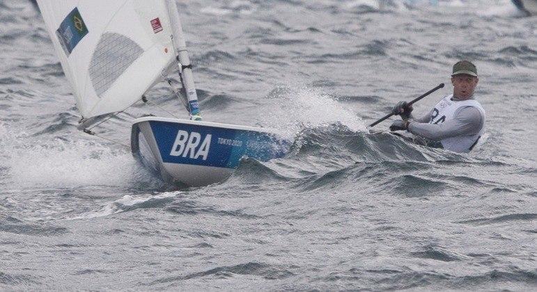 Robert Scheidt, por enquanto o terceiro lugar na Vela