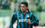 Roberto Baggio - Artilheiro italiano jamais foi campeão de uma Copa do Mundo. O craque ganhou o prêmio de melhor jogador do mundo pela FIFA em 1993 e foi o melhor jogador europeu nos anos: 1990, 1991, 1993 e 1994.