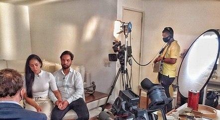 Roberto Cabrini na entrevista com Monique e o Dr. Jairinho