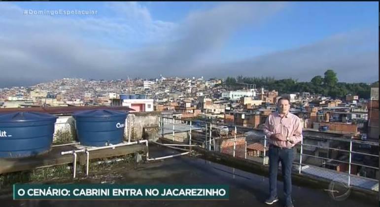 Roberto Cabrini abordou a ação em Jacarezinho em grande reportagem