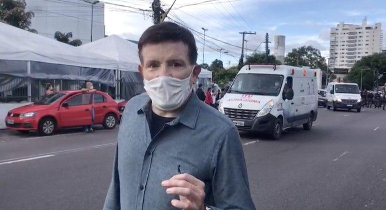 Roberto Cabrini  em Manaus gravando para o Domingo Espetacular