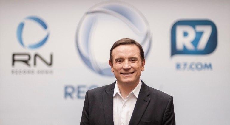 Roberto Cabrini é o apresentador do Repórter Record Investigação