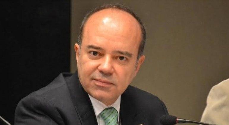 As três mulheres que acusam Roberto Caldas foram indiciadas por denunciação caluniosa