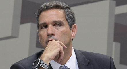 Campos Neto quer mais tempo para avaliar impacto