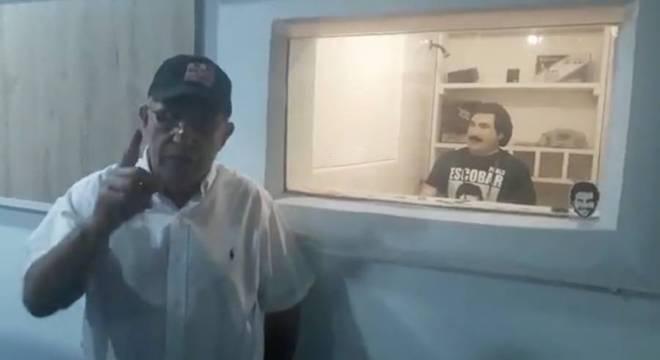 Roberto Escobar afirmou que vive atualmente na propriedade de Las Palmas