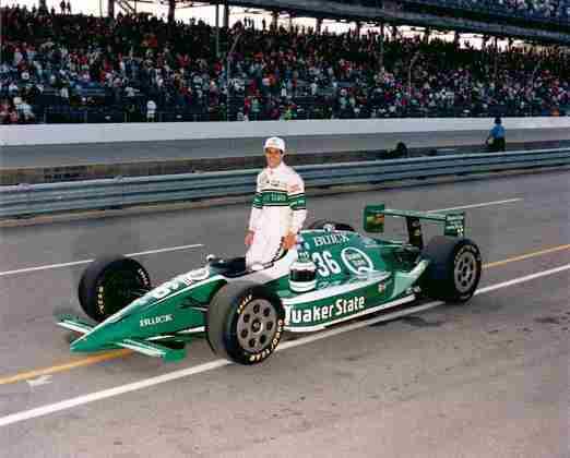Roberto Guerrero fez apenas dois anos na F1, entre 1982 e 1983. Depois, seguiu para a Indy, onde teve razoável sucesso e correu até 2001