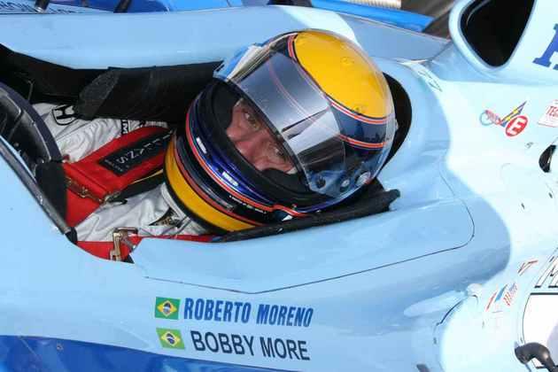 Roberto Moreno pulou de equipe em equipe na F1 entre 1982 e 1995. Em 1996, foi para a CART e seguiu até 2007, conquistando duas vitórias no período e até mesmo brigando pelo título na temporada 2000