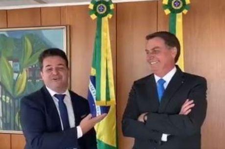 Bolsonaro ao lado de Roberval Cardoso da Silva