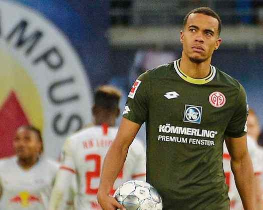 Robin Quaison (atacante - 27 anos - sueco) - Fim de contrato com o Mainz - Valor de mercado: 7,5 milhões de euros