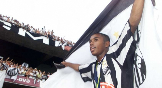 Peres ainda enxerga Robinho como o jogador de 2002. Que encantou o Brasil