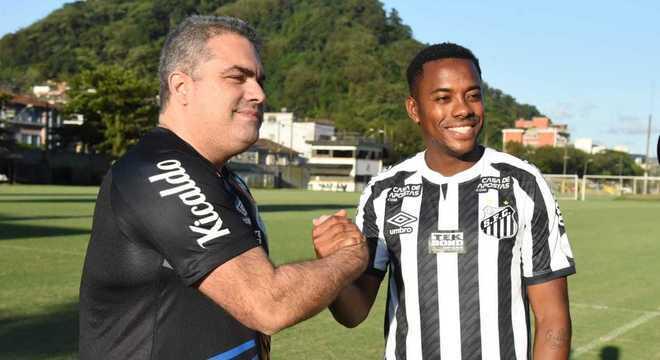 Presidente, que é policial civil, quer Robinho jogando no Santos 'de qualquer jeito'